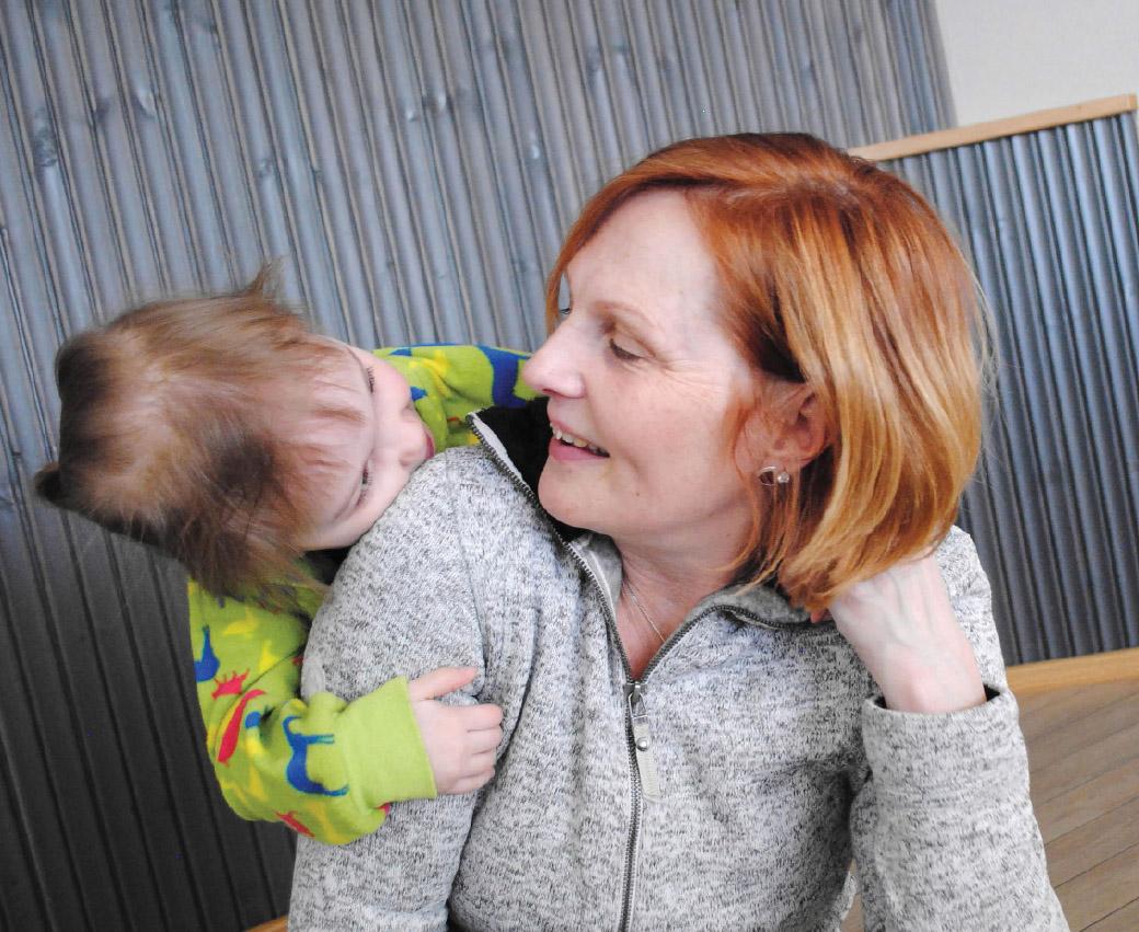 Sari Kuivas kertoo, että Sherborne-liikunnassa tuetaan lasta toimimaan hallitusti niin, että hänen aivonsa oppivat erottelemaan ja yhdistämään aistihavaintoja. Kokemuksien kautta lapsi alkaa aktiivisesti ja aloitteellisesti hakemaan tarvitsemiaan kokemuksia.